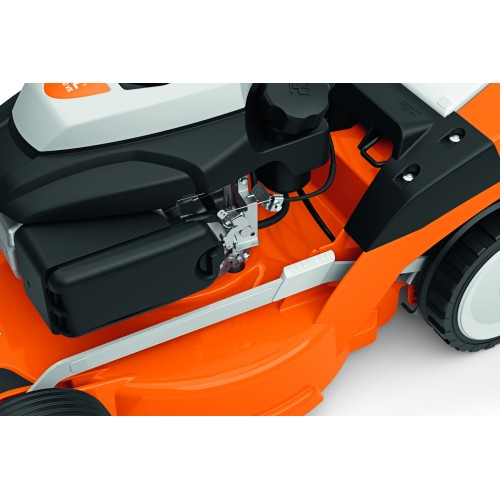 Savaeigė benzininė vejapjovė STIHL RM 650 VS
